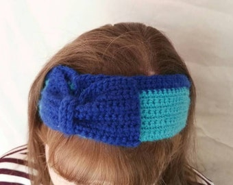 Crocheted headband in blue two tone