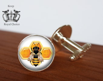 Honey bee pair of cufflinks, Bee and honeycomb cuff links, Tie clip, Personalized Men Wedding Jewelry, gift for dad