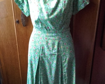 1940s daisy dress