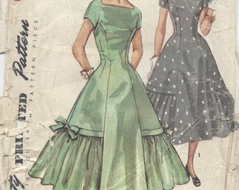 1956 Vintage Sewing Pattern B36 DRESS (1096) Simplicity 1509