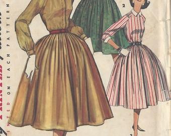 "1956 Vintage Sewing Pattern B31 1/2"" DRESS (R331) Simplicity 1684"