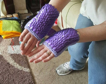 Dragon Scale Gloves (Small)