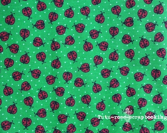 "Coupon fat quarter 18 ""x 21"" (45 cm x 53 cm) ladybugs on green 100% cotton child baby couture creation"