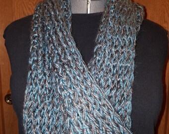Single loop infinity scarf