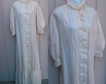 Antique Early 1900's - 1910 Edwardian gown / natural off-white cotton Full Length Chemise / wedding under dress / Broderie Anglaise