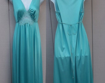 Vintage 70s Blue Green Nylon Nightgown Tie-Back Nightgown by LORRAINE  // Sz Med