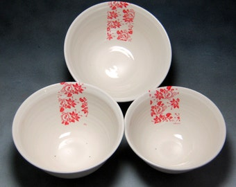Red and White Fine China Porcelain Serving Bowl Set Hand Thrown Translucent Ceramic Nesting Bowls Pottery Mixing Bowls 4