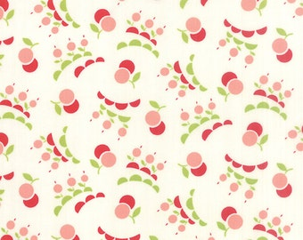 Vintage Picnic - Smitten in Cream: sku 55127-17 cotton quilting fabric by Bonnie and Camille for Moda Fabrics - 1 yard