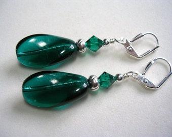Emerald Green Earrings Silver Earrings Wavy Drops Swarovski Crystal Leverback Hooks Wire Wrapped Gifts under 5 Dangle Earrings