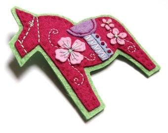 HALF PRICE SALE Dala Horse felt brooch pin with freeform embroidery - scandinavian style