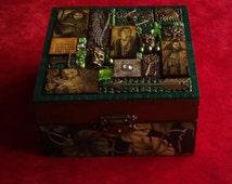 The Hobbit small box - Mixed Media Mosaic.  Bilbo Baggins. Thorin Oakenshield. Kili. LOTR. Lord of the Rings. JRR Tolkien.