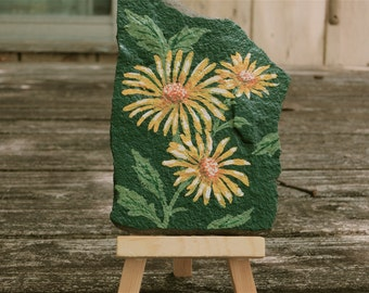 Painted Yellow Flowers On Stone, Floral Painting With Miniature Easel, Stone Painting With Easel, Desk Top Painting, Easel With Flowers