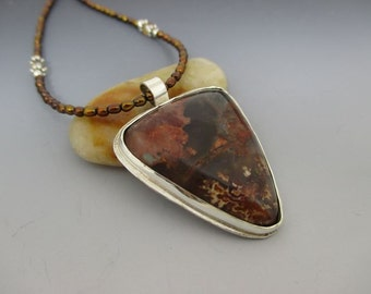 Prudent Man Agate Sterling Silver Freshwater Pearl Necklace