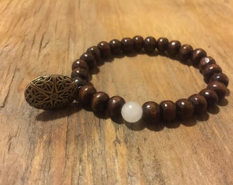 FREE Shipping Handmade Wrist Mala with Locket for Aromatherapy Essential Oils