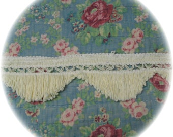 Off White Yellow Vintage Chenille Bedspread Scalloped Quilt Trim Fringe 7 yards 22 inches Creamy Yellow