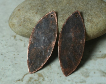 Hand hammered antique copper marquise drop dangle size 33x13mm, 2 pcs (item ID YWXW00934ACD)