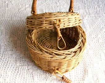 Small Wicker Basket w/Lid Vintage Storage Cottage Home Decor