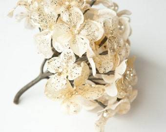 45 Silk Satin Blend Hydrangea Petals in Light Gold with Glitter - One Hydrangea Head - hydrangea flowers