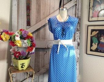 Sale 1970s dress polka dot dress 70s dress blue and white dress size medium Vintage dress casual dress summer dress