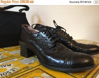 Fall sale 1930s shoes black shoes vintage oxfords lace up shoes size 7 art deco shoes leather oxfords
