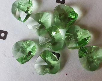 Pale Green Glass Heart Beads 10mm (8)