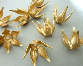 4 Rose Sepal - Flower Bead Caps or Settings in Brass - Large Version