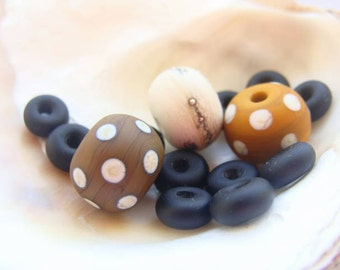 14 Etched Handmade Lampwork Beads