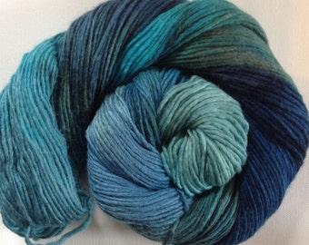 Hand dyed merino tussah silk dk  3.5 ozs 100 g 210 yards Ocean