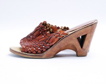 Vintage 70s WOVEN Leather Sandals // Cut Out Wood Heel // Open Toe Mules 7.5