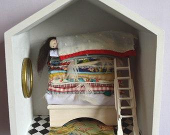 Fairytale stories - Princess and the Pea - Handmade Diorama - ooak