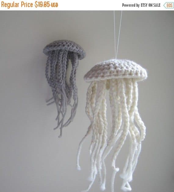 Prefall Sale Medium Moon Jellyfish in Natural Fleece White Wool - Nautical Summer Beach Cottage Decor