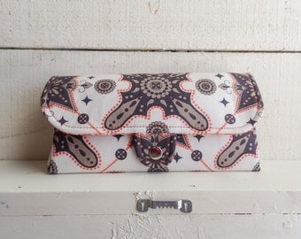 SmartPhone Purse 18x - Ultimate Wallet Clutch with ID pocket in Moorish in Spice -- Ready to Ship