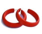Cherry Red Matte Marbled Hoops | Red Hoop Earrings | lucite midi hoop earrings | Leetie Lovendale #MID-3RD