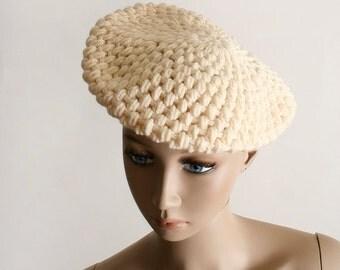 ON SALE Vintage Cream Knit Beret