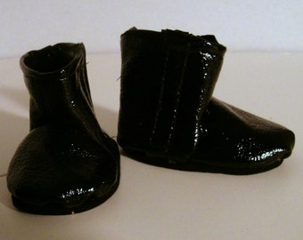 "Black patent leather-look vinyl ankle boots for 18"" dolls"