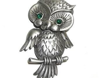 JJ Owl pin Green Eyes Jonette brooch pewter articulated head
