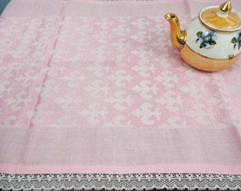 "Runner - Table Runner Pink Damask with Fleur De Lis Pattern & Lace Trim - 19"" x 52"""
