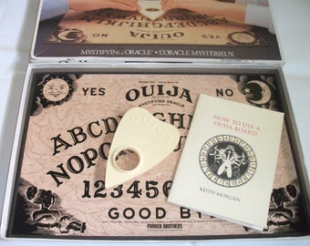 Vintage Ouija William Fuld Talking Board Game Mystifying Oracle Psychic