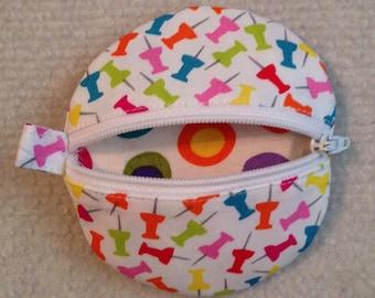 Circle earbud zippy zip pouch coin purse push pin print