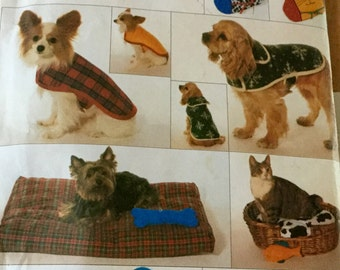 Butterick 4226 Dog Clothes All Sizes, Stockings, Placemats and Toys,  uncut