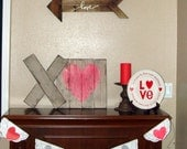 XO Hugs and Kisses Wooden Valentine Decoration