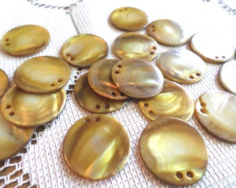 20 GOLD PEARL Vintage Buttons