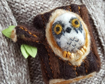 Oddstitch Owl ( needle-felted hand-sewn brooch )
