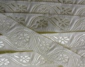 Made In Hungary Woven Jacquard Trim 11/16th Inch Wide 1 Yard  Folk Costume Trim Ivory And Pale Yellow  HFT 2