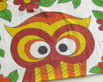 1970's Vintage Beach Towel OWL / Cotton Terry Towel by Cannon / Signed Schulte