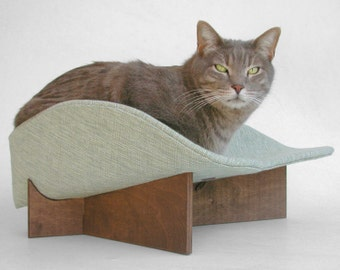 Retro modern cat bed in chunky heather pale sage