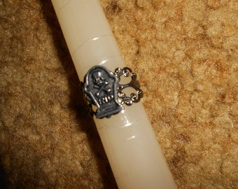 Cemetery Tombstone Ring - Skull and Crossbones
