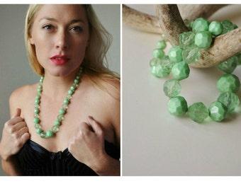 ON SALE 1960s Crystal Mint Necklace