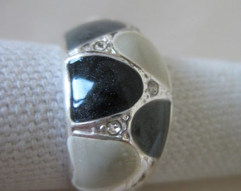 Black Gray Ring Silver Rhinestone Vintage 8 1/4 Clear Band