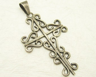 Large Vintage Sterling Cross Pendant Wire Work Jewelry C7010